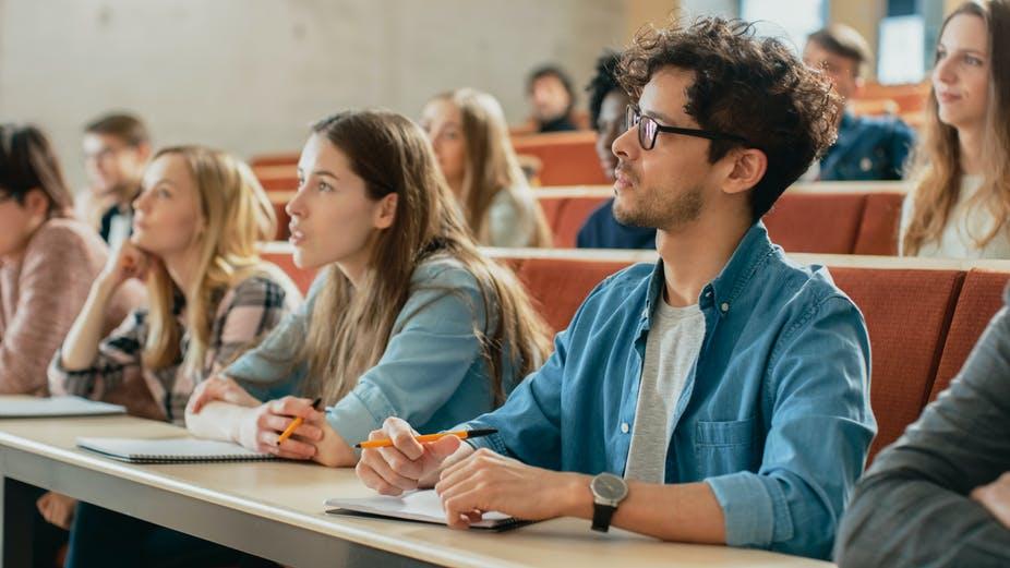 L'université, un lieu incontournable pour documenter les transformations de la planète. Shutterstock
